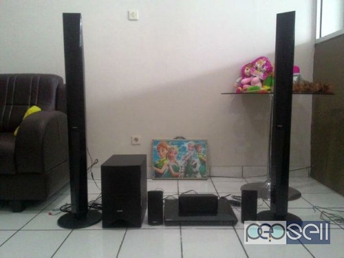 Sony BDV E4100 5.1 blueray home theatre system for 25000 only 0