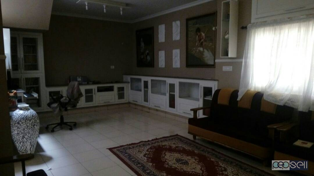 Newly constructed house near mulloorkkara for sale with furniture 5