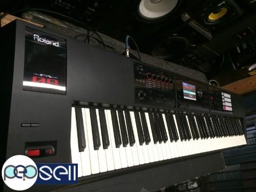 Roland FA08 88key Keyboard Workstation 0