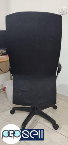 Sparingly used and well maintained computer chair for sale 2