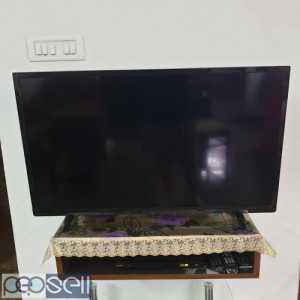 SAMSUNG LED, 40 inches, used for one year, excellent condition.