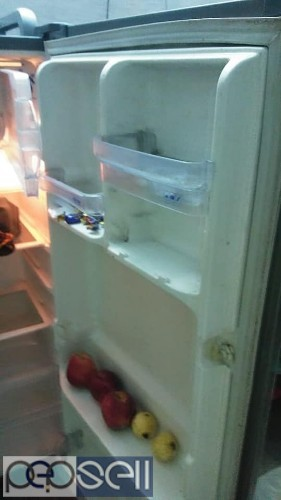 5 yrs old Whirlpool used fridge for sale 3